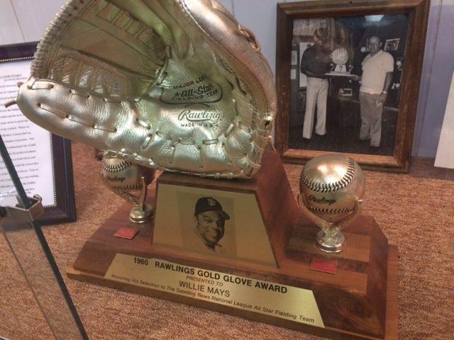 Willie Mays Golden Glove Award
